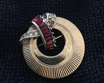 Vintage Boucher Brooch/Pin Gold tones Rhinstone Crystal