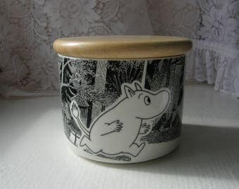Moomin Jar ADVENTURE (Seikkailu In Finnish) Designed By Tove Slotte-Elevant For Arabia Finland