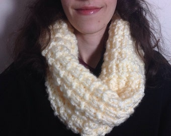Chunky Knit Cowl Scarf, Women's Knitted Snood, Infinity Scarf, Woolly Scarf, Winter Scarf, Cream