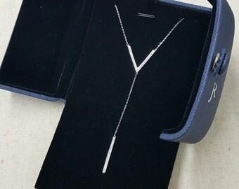 """JR """"V"""" Sterling Silver Lariat Necklace."""
