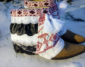 Ethnic boots, upcycled boots, reworked, boho boots, gypsy style, boho, festival style, hippie boots, ethnic, laceboots