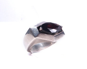 Silver and Garnet ring