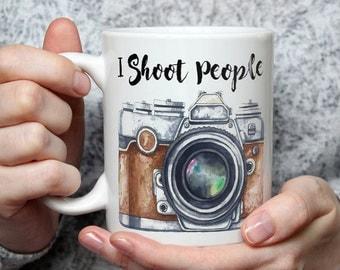 I Shoot People Photographer Mug - Funny Ceramic Camera Coffee Mug For Photographers