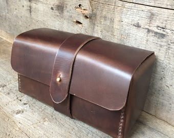Horween leather Dopp kit, toiletry kit, shaving kit, travel holder, personalized Dopp kit