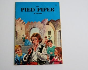 Pied Piper Vintage Children's Book, A Folk Tale, Printed in Finland