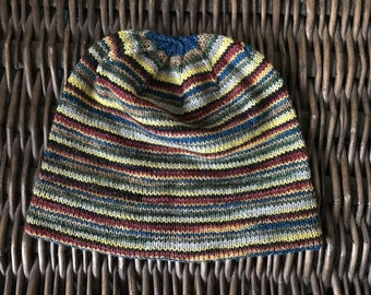 Cozy slouch beanie eith a subtle Harry Potter color scheme