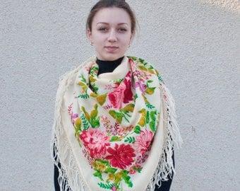 Ukrainian big wool shawl. Vintage.