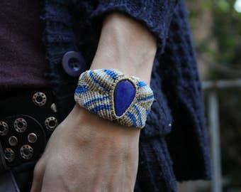 Bracelet Lapislazul of Chile. Semi-precious stone.