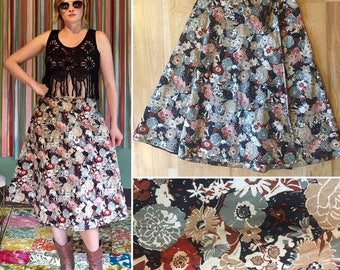 Vintage Floral Wrap Skirt. Size S/M