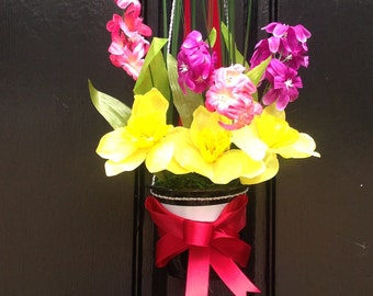 Door blooming flower pot
