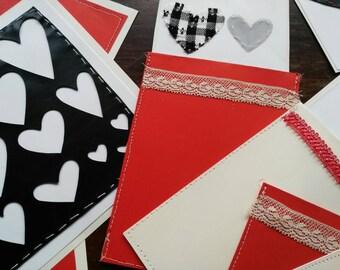 Set of 8 handmade Valentine's day cards and envelopes, composizione di 8 biglietti e buste, San Valentino