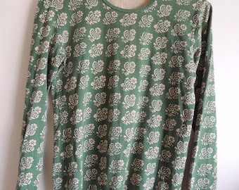FREE SHIPPING -  Vintage MARIMEKKO Cotton Green and beige Flower print long sleeve soft top, made in Finland, size Women's M