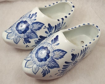 "Hand painted ceramic clog shoes made in Holland - 7"" x 3"" - vintage blue & white floral shoes"