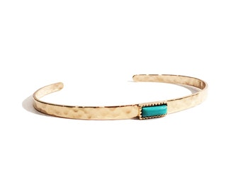 Bangle/bracelet gold plated hammered with turquoise natural stone crimped