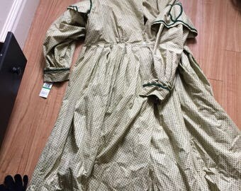 Green and yellow civil war day dress