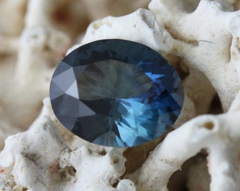 Natural Sapphire 4,13 carats- gemstone certified by a Swiss laboratory