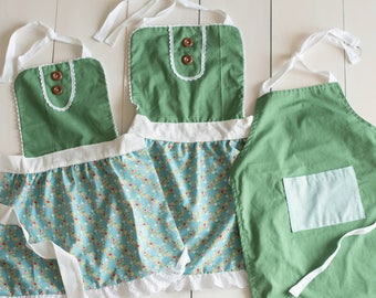 Mother's Day Apron Set! - Mommy and Me aprons for boys and girls - Mom + Me Aprons - Girl Apron - Boy Apron