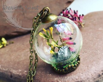 Sunny Dartmoor Pendant, terrarium jewelry, real flower necklace, botanical jewelry, painted jewellery, heather necklace,real plants jewelry