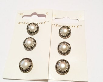 6 x White & Silver vintage style pearl buttons 16mm