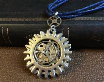 Golden Steampunk necklace