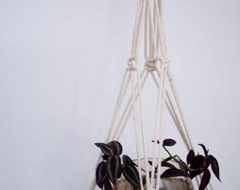 The Quetzal- macrame plate hanger