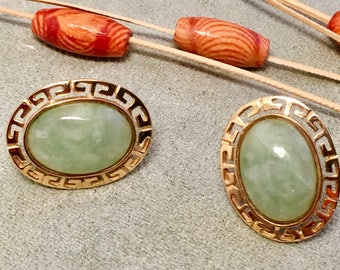 Beautiful Cabochon Earrings.  Vintage 1970s Solid 14K Yellow Gold Oval Shape Pale Green Jade Post Earrings.  Excellent Pre-Owned Condition.