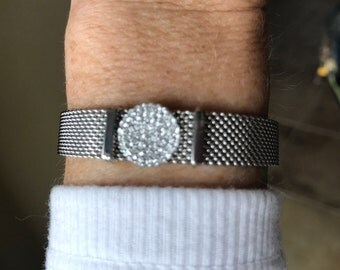 Mesh silver or gold bracelet with pave disc