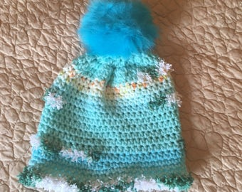 Child's pom-pom hat