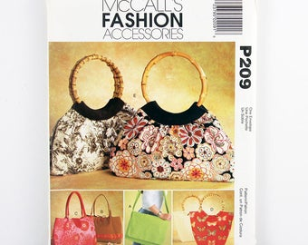 McCalls Pattern 209, Bag with Cell Phone Pocket, Lined Bag, Inside Pockets, Shoulder Bag, Tote Bag, Overnight Bag, Fashion Accessories Uncut
