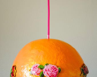 Handmade lamp with coloured roses in salmon pink/orange and gold for children's interior or as an eye -catcher in yours!