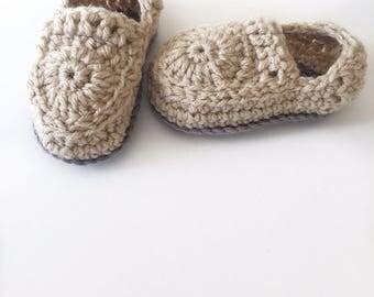 Crochet baby loafer