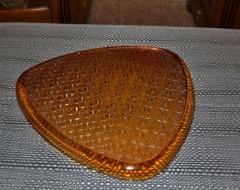 Set of 4 Amber Daisy And Button Snack Plates