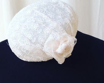 Wedding hat lace colour cream. Woman hat for bridal, pillbox special occasion.