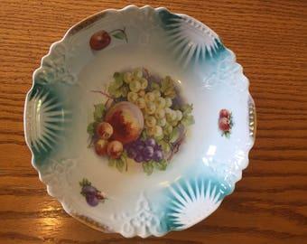 vintage hand painted fruit bowl scalloped edges