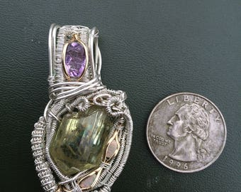 Apatie wire wrapped pendent
