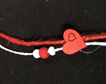Red & white string jute with round beads and red wood heart twist trim