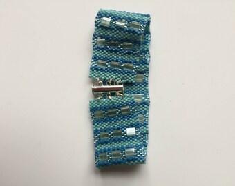 Blue Pearl bracelet summer wind