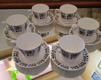 Vintage Tea Cups and Saucers Set