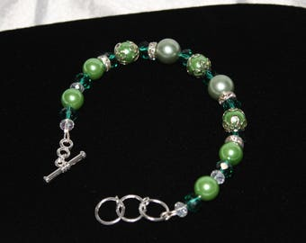 Green Adjustable Elegant Bracelet