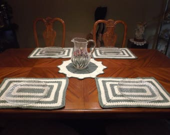 HANDMADE CROCHET SET Of 4 Placemats And Center Dolly