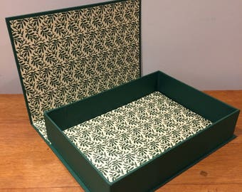 Beautiful buckram-covered large box.  Light Hunter Green. Overall dimensions 29.5x 21.1 cm