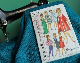 Simplicity  5731 Barbie sewing pattern