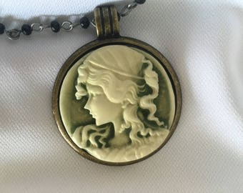Vintage beaded Cameo pendant necklace