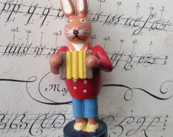 "Wood Vintage Wooden Easter Bunny Musician Hand Made Easter Rabbit Decoration 3-1/8"" Tall"
