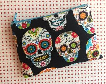 skull pouch - cute zipper pouch - skull wallet - day of the dead - sugar skulls - sugar skull bag - black zip pouch - coin purse
