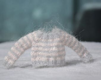 When grey meet pale pink / striped mohair sweater for blythe dolls