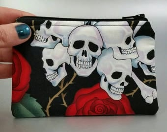 Skull and Roses - Change Purse - Zippered Pouch - Coin Purse - Black - Red - White - Skulls - Roses - Green - Leaves