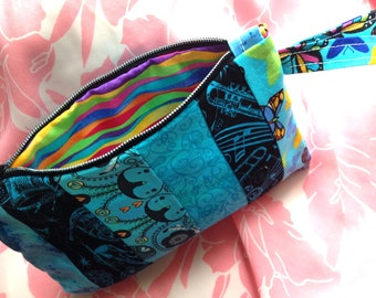 Zippy Wristlet / Peek-a-Blue