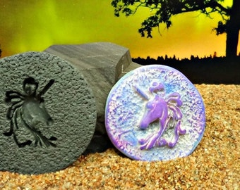 36mm Unicorn mold for cabochon or pendant - Polymer Clay