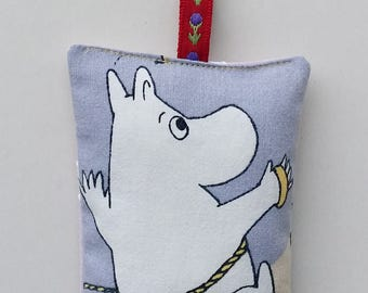 Violet fabric key ring key fob with Moomin
